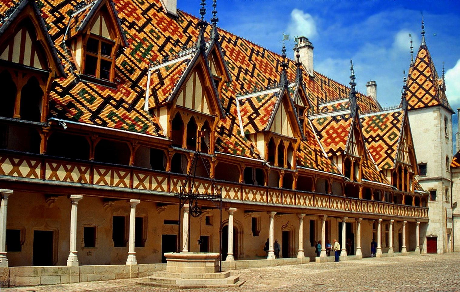 Photo hospices de beaune 21 cote d 39 or for Tuile cote de beaune